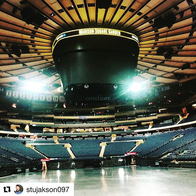 1 of today's offices... #Repost @stujakson097 ・・・ #elo #Rockpooltourcatering #showday